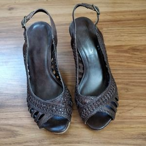 Cute Brown Woven Wedges, size 35